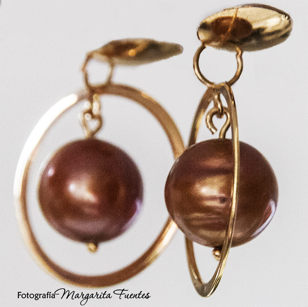 Pendientes perlas color chocolate